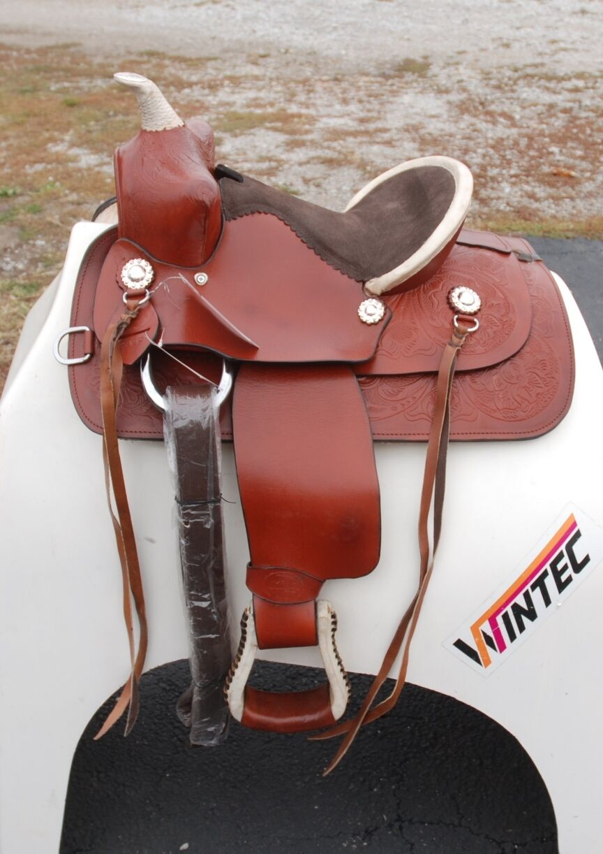 Z44- King Series 12  Gator All Around Competition Saddle