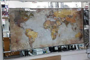 Map-of-the-world-picture-with-shimmer-liquid-art-crystals-and-mirror-frame