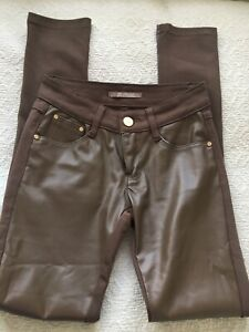 R JONACO : Lovely Sz 8 Chestnut Brown Faux Leather Front Stretch Back Jeans