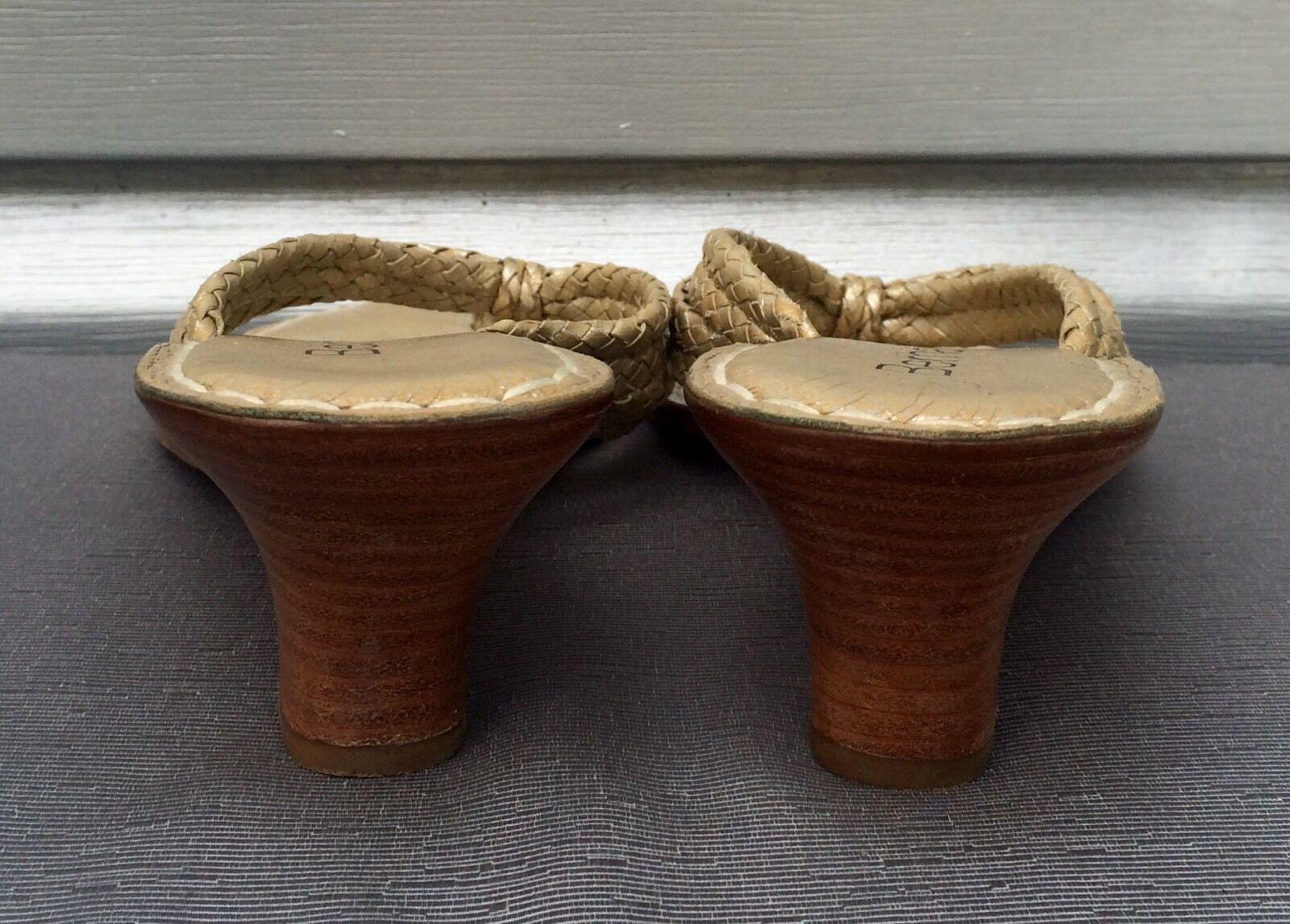 BERNARDO oro oro oro Braided Leather Miami Thong Wedge Sandals  195 fb76ba