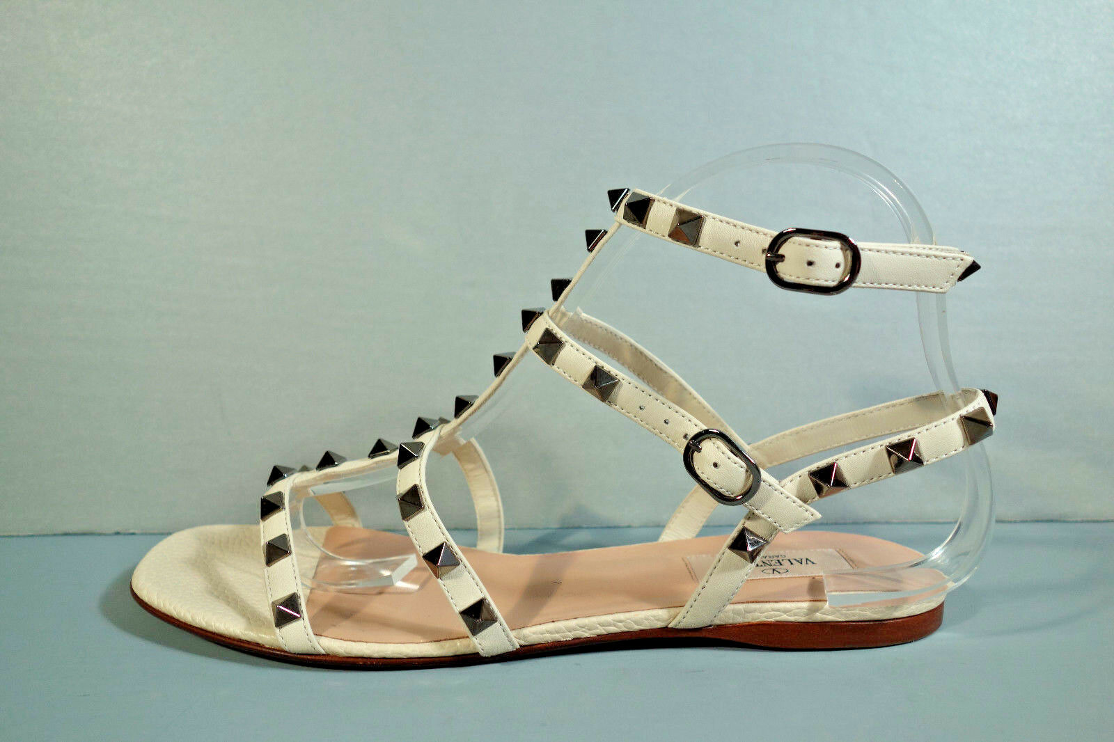 VALENTINO 40 BEIGE LEATHER GLADIATOR SILVER ROCKSTUD ANKLE STRAP SANDALS FLATS