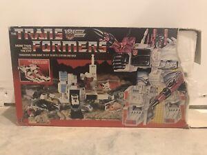 Figurine Transformers Metroplex Vintage Hasbro G1