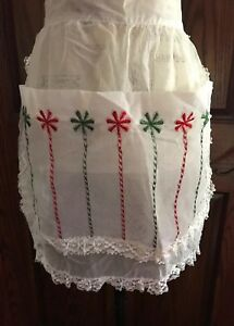 VINTAGE-HALF-APRON-Hand-Made-Sheer-White-Red-amp-Green-Christmas-Accents-1950s