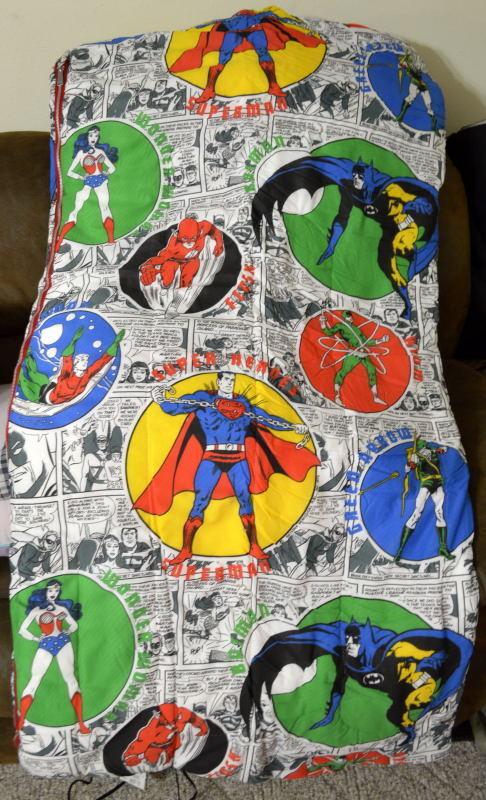 Rare Vintage 1975 JUSTICE LEAGUE SLEEPING BAG DC Wonder Woman Green Arrow Batman