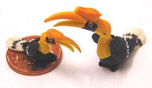 1-12-Large-Small-Yellow-Hornbill-Dolls-House-Miniature-Garden-Acessory-Bird