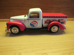 Golden Wheel 1/24 Diecast 1940 Ford Pepsi Cola  Pickup Truck  #MS13 used