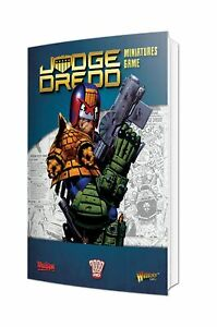 Warlord-Games-BNIB-Judge-Dredd-Rulebook-with-Exclusive-Miniature-651010001