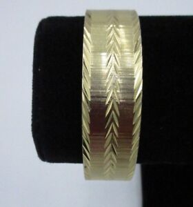 Monet-Signed-Vintage-Bangle-Bracelet-Gold-Tone-Textured-Metal-Thick-Shiny-CHIC