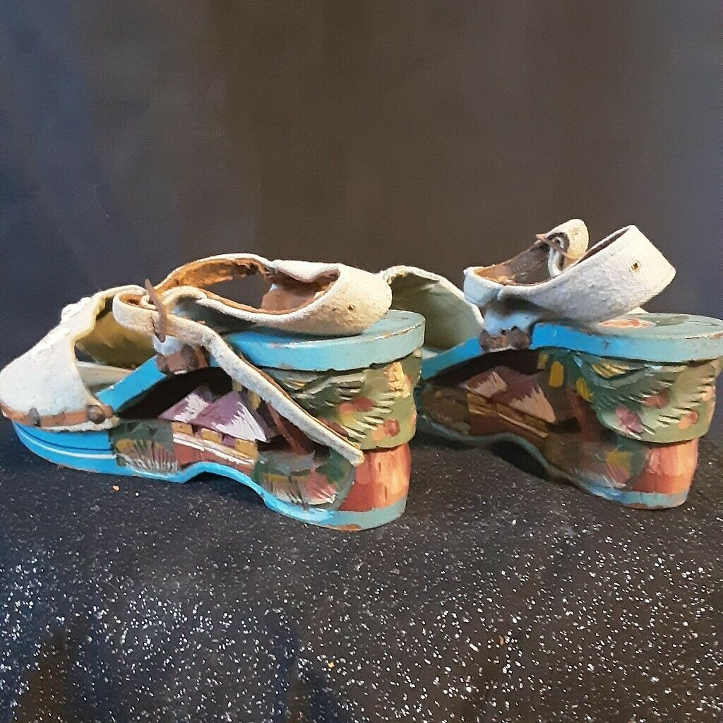 1940's Carved Wood Wedge Sandals from the Philipp… - image 4