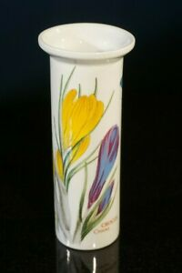Beautiful-Portmeirion-Botanic-Garden-Snow-Drop-Crocus-Sherif-Vase