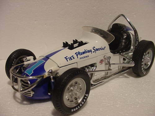 PARNELLI JONES FIKE PLUMBING SPECIAL USAC RACE VINTAGE DIRT SPRINT CAR GMP 1 18