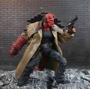 Hellboy-Mezco-Figur-Comic-Film-Action-Sammlung-Superhelden-Teufel-Daemon-Figuren