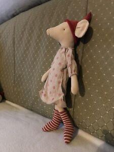 MAILEG Medium ChristmasMouse Girl Stoff Knuddeln Stofftier Plüschtier Kind