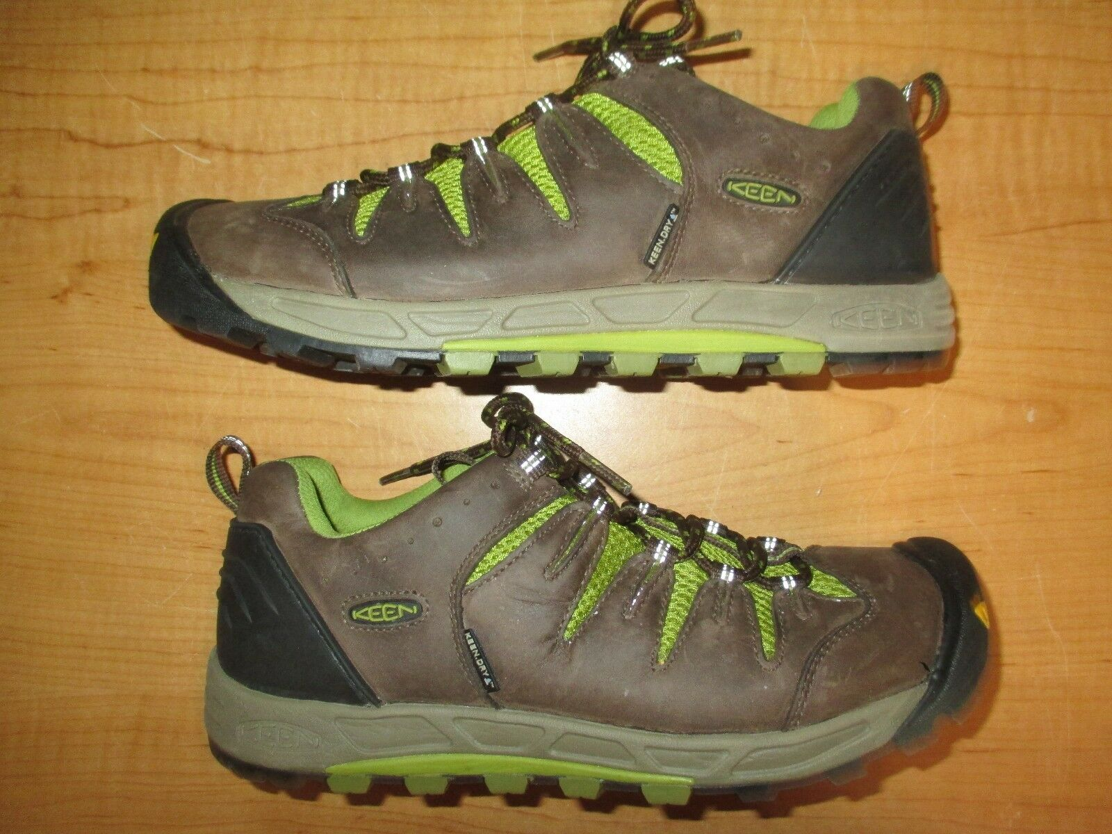 Keen Women's Size 9 Leather Hiking shoes - Pristine - Worn 1 Time - Fast Ship