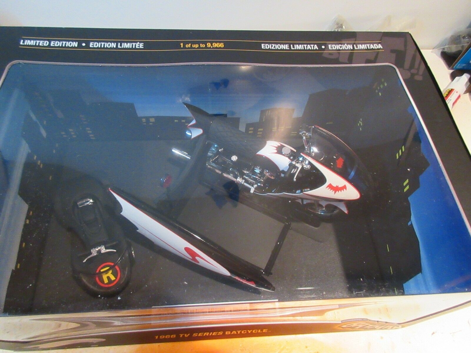 2009 HOT WHEELS 1 12 BATMAN & ROBIN BATCYCLE ELITE - NISB