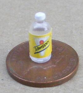Échelle 1:12 2 Bouteilles En Plastique De Tonic Water Tumdee Maison De Poupées Miniature Verre-afficher Le Titre D'origine