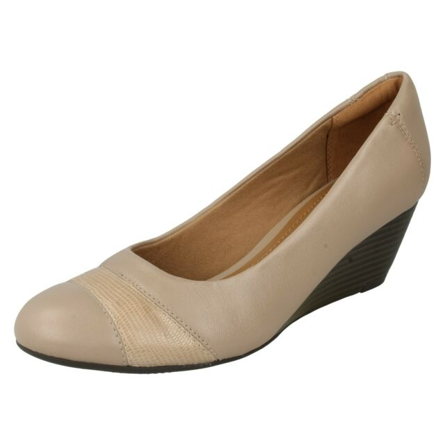LADIES CLARKS LEATHER SLIP ON WEDGE FORMAL WORK SMART COURT SHOES BRIELLE TACHA