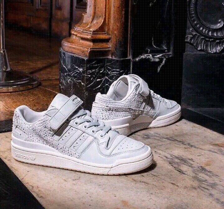 Adidas Original ny ny ny Forum LO kvinnor grå vit Storlek US 8  spännande kampanjer