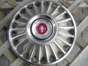 One 1967 67 Ford Mustang Hubcap Wheelcover Center Cap Antique