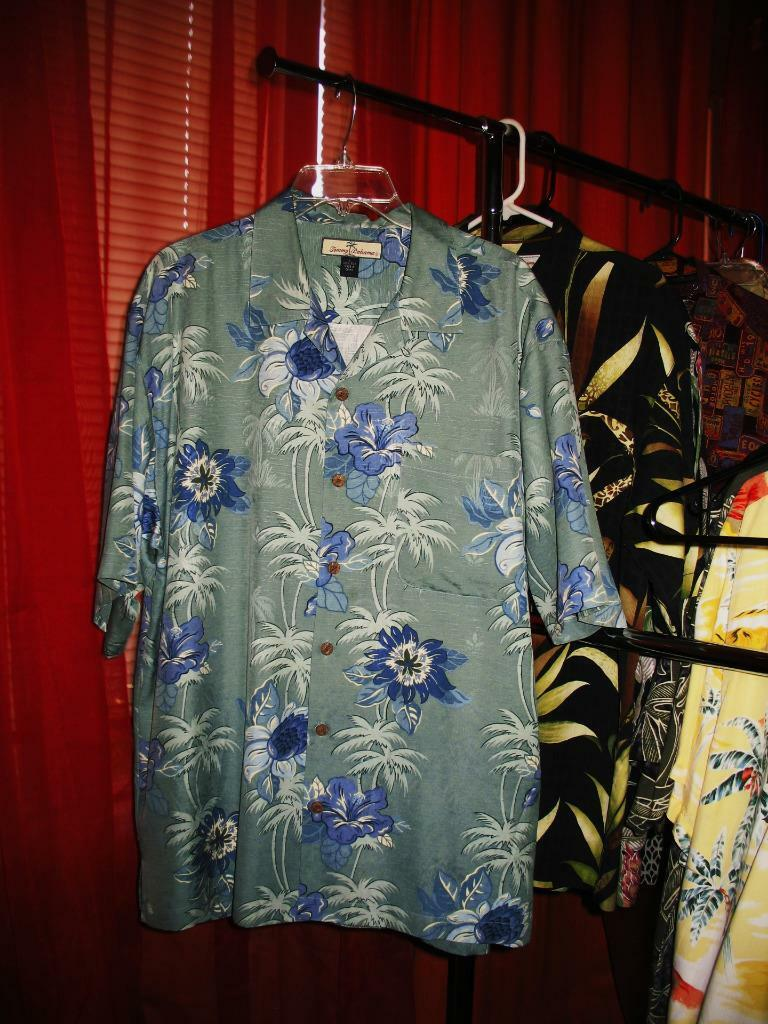 TOMMY BAHAMA HAWAIIAN SHIRT PALMS PALMS PALMS ,FLOWERS CASUAL!SIZE L !100%SILK! ! b949ed
