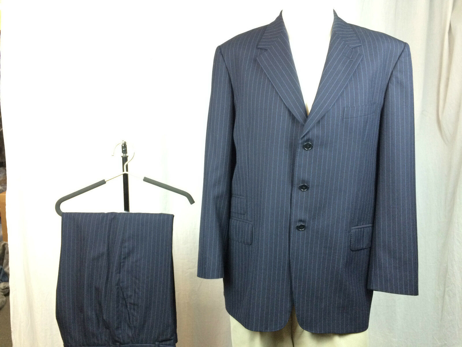PAUL SMITH LONDON  Navy bluee w  bluee Pinstripes Wool Suit 46L 9 10