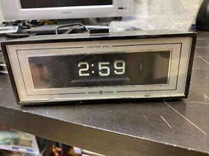 Vintage-GE-General-Electric-Alarm-Clock-Lighted-Flip-Dial-8142-4-Retro-Works