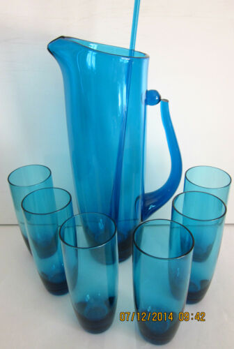 STUNNING RETRO BLUE GLASS JUG with 6 MATCHING GLASSES & DRINK STIRRER VGC