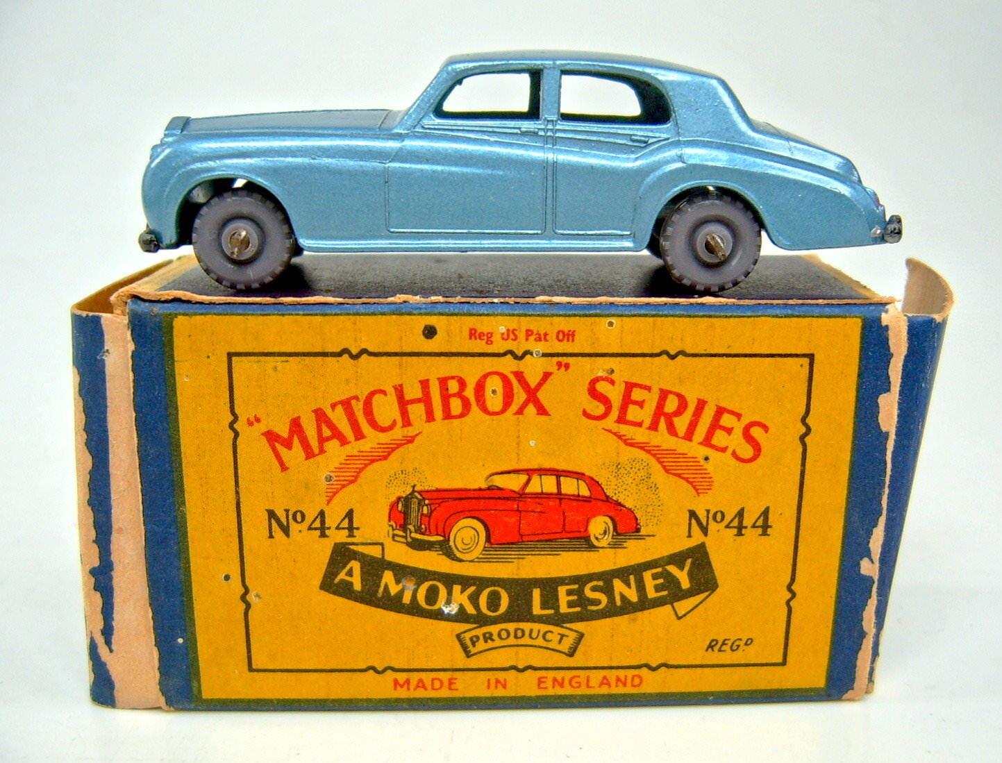 MATCHBOX rw44a Rolls Royce BLU METALLIZZATO GRIGIO PLASTICA RUOTE Top in  B  BOX