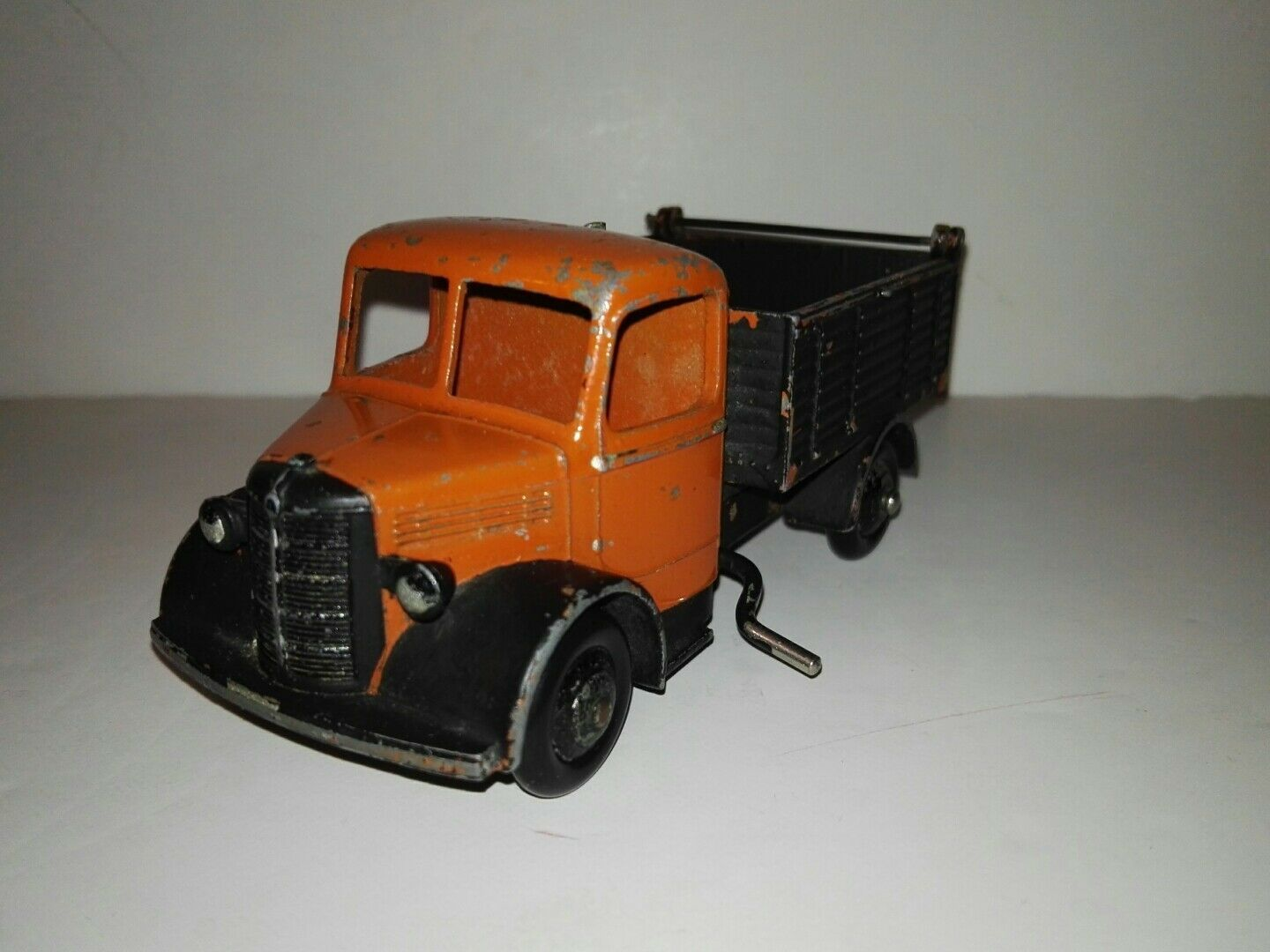 Dinky toys, 411 Bedford Articulated , orange cab 1948