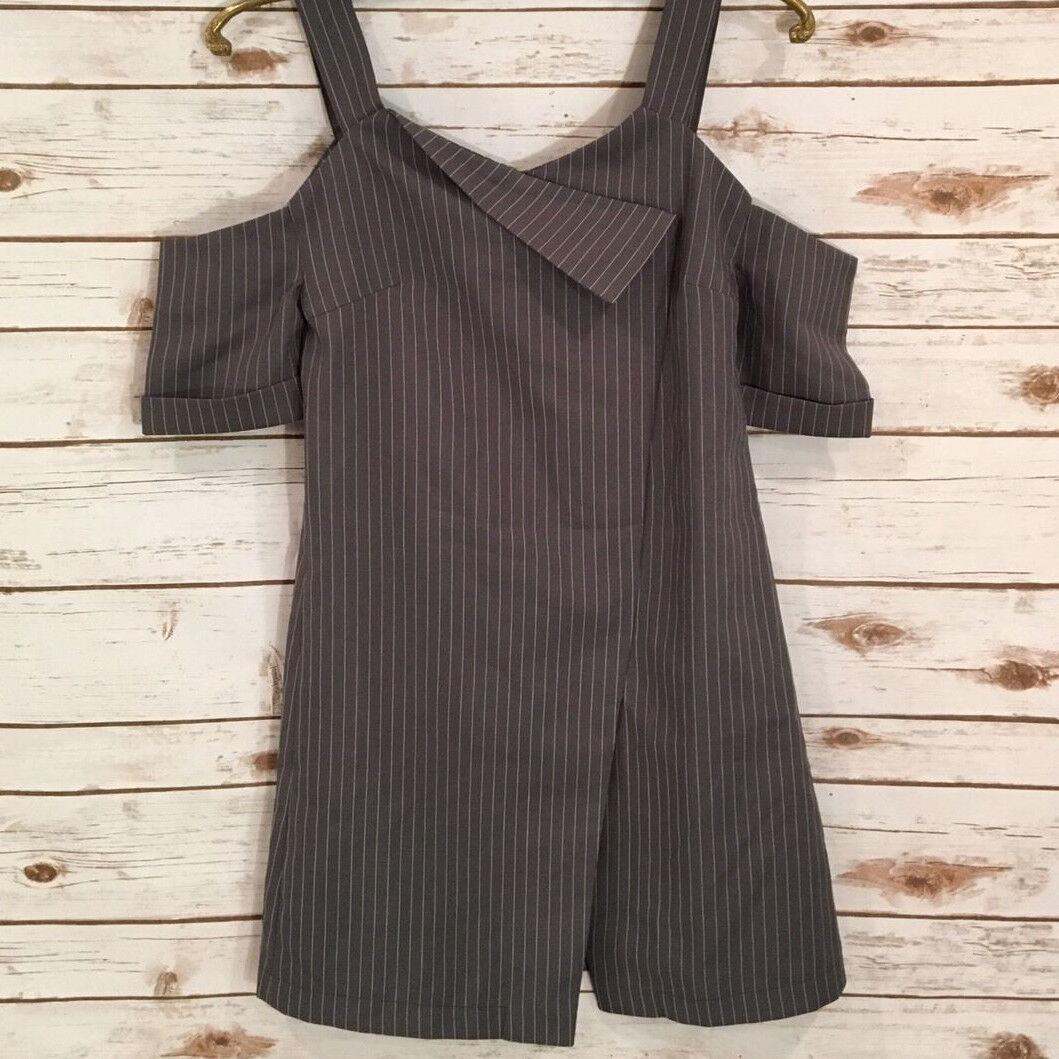 NWT Miss Wu Granite Grey Pinstripe Asymetrical Cold Shoulder Party mini Dress S