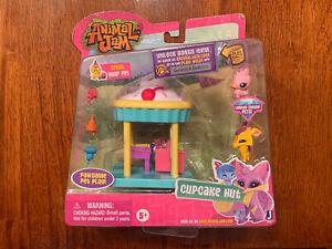 Animal-Jam-Cupcake-Hut-w-Bonus-Online-Code-Brand-New-in-Package-VERY-RARE