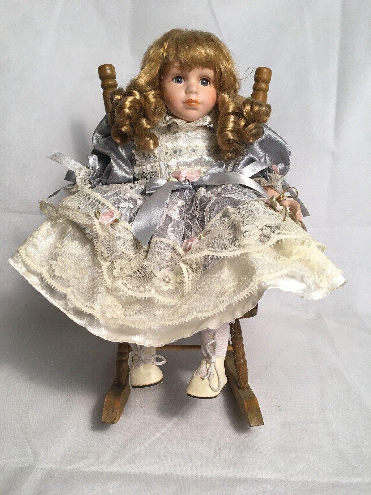 Genuine Bambola Bambola Bambola di Porcellana Frances con Sedia a dondolo 911163