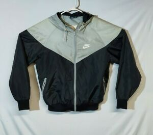 Minimalist solid retro sports athletic top Vintage jacket in red for men Running activewear sportswear lightweight shell windbreaker XL