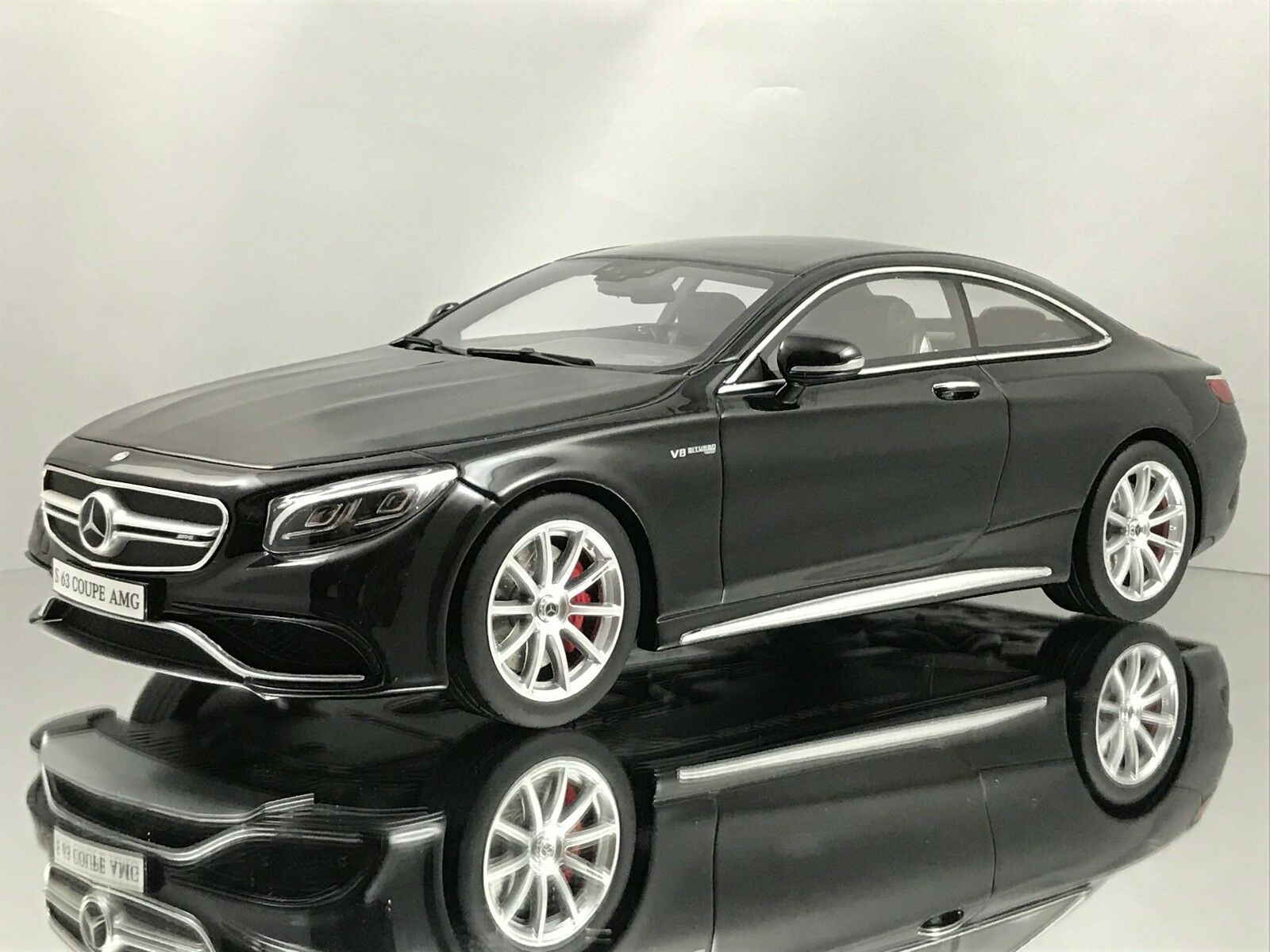 Mercedes Benz S63 Amg Coupe >> Gt Spirit Mercedes Benz S63 Amg S Class Coupe C217 Black Resin Model Car 1 18