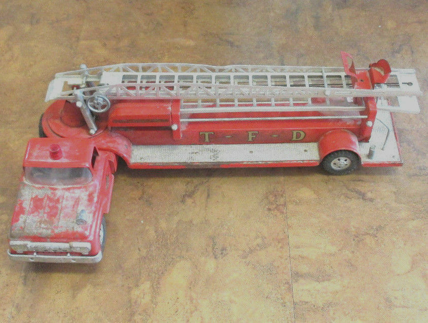 Vintage Tonka Chapa de acero TFD Nº 5 camión de bomberos