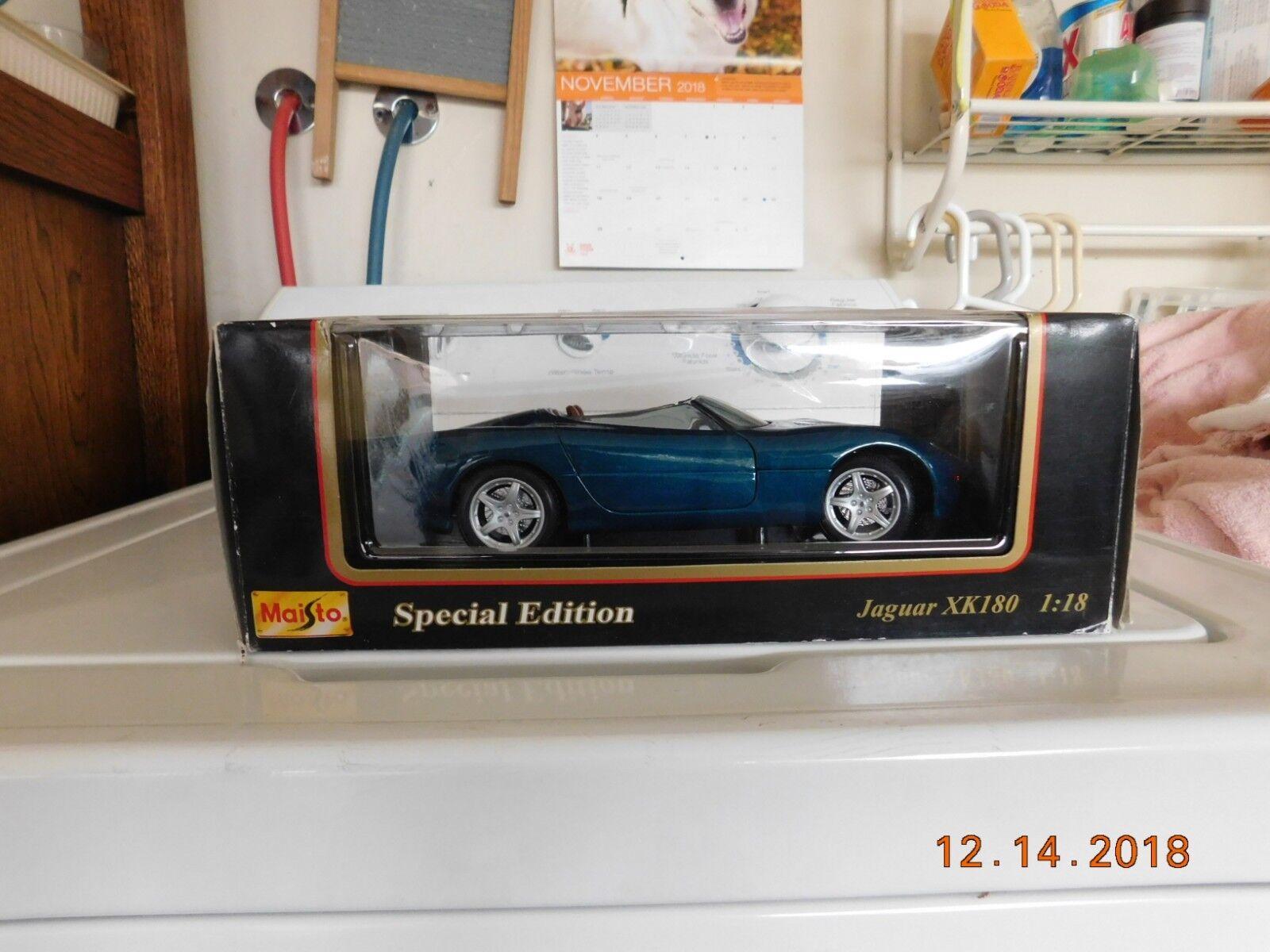 MAISTO Jaguar XK180 bluee congreenible XK 180 Special Edition 1 18
