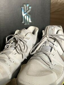 info for da812 9ac62 Details about Nike Kyrie 3 T's In Platinum Size 9.5 With Box