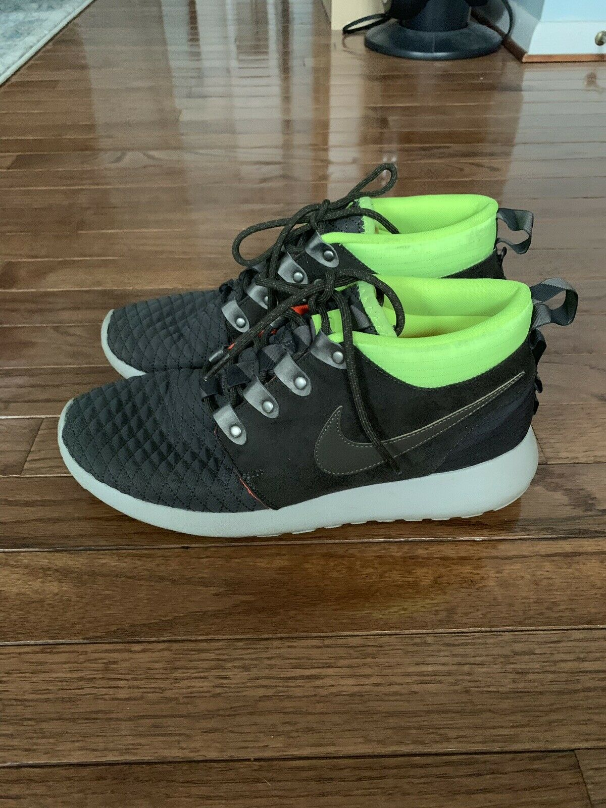Nike Roshe Run One HighLimited - Moss Green And Volt