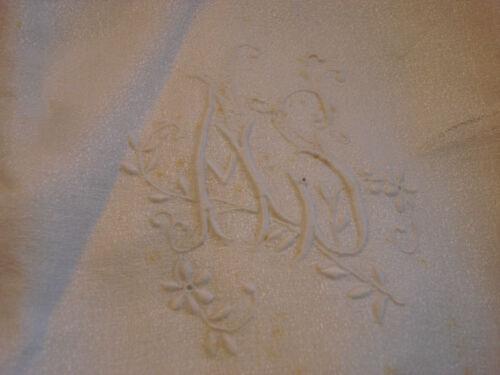 ANCIEN MONOGRAMME M S sur serviette