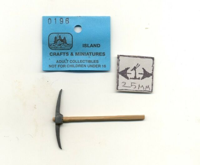 1//12 scale dollhouse cast metal miniature ISL2437 Rug Beater