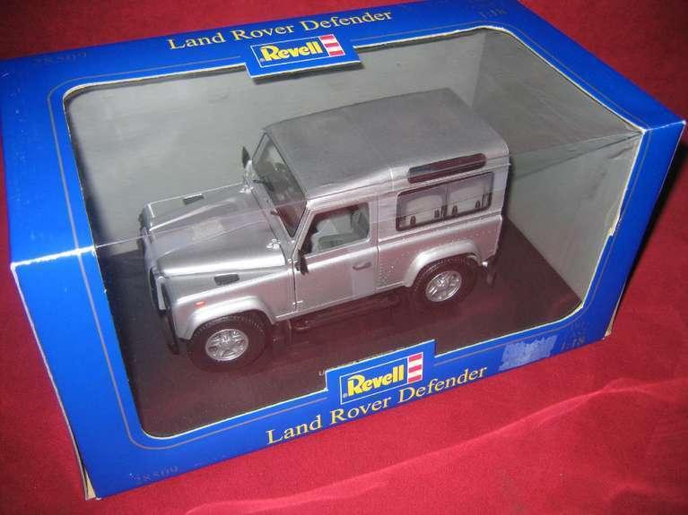 REVELL ® 28509 METAL 1 18 Land Rover Defender NEUF neuf dans sa boîte