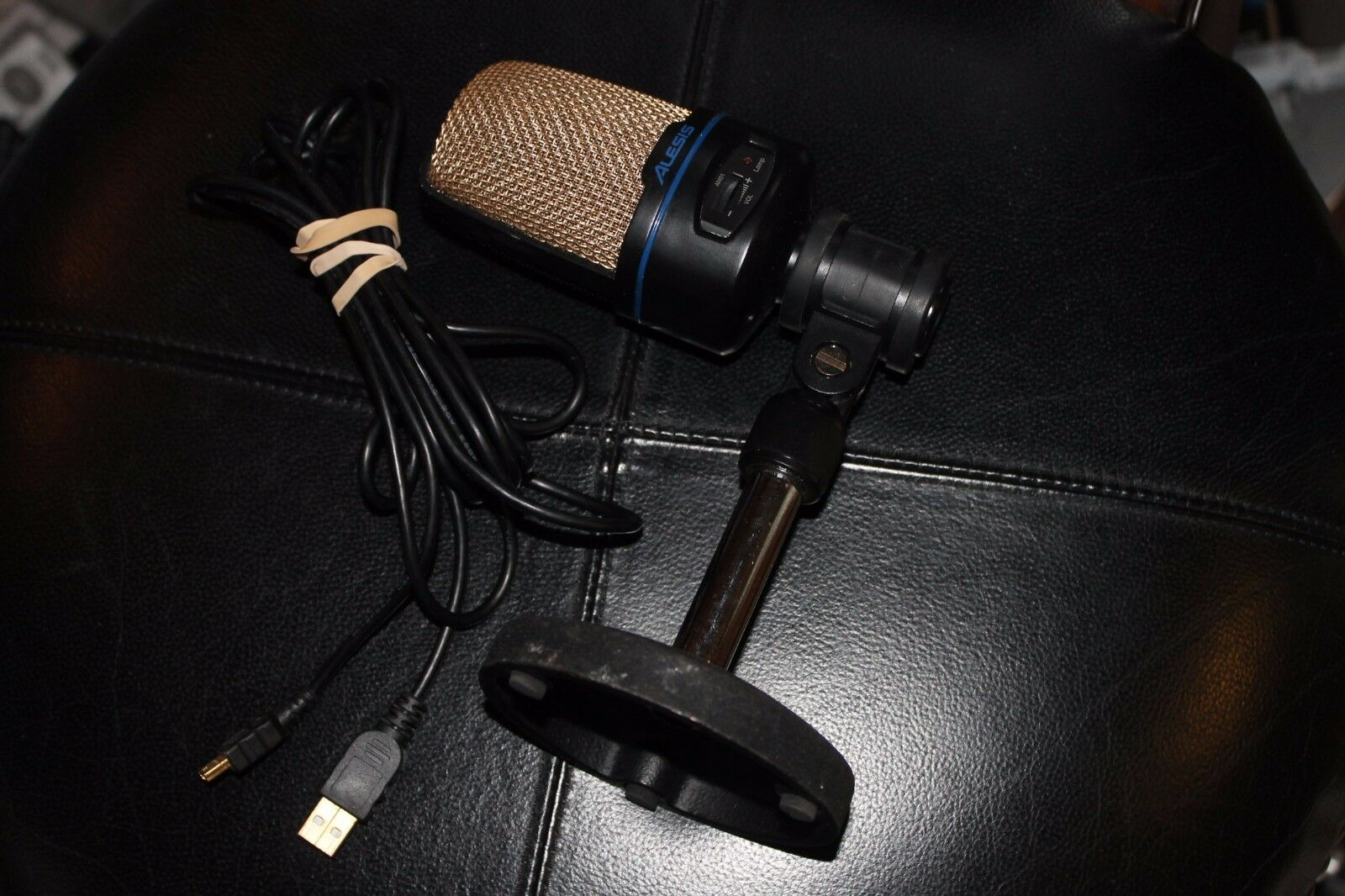 Alesis USB Podcast Microphone w extra long USB cord