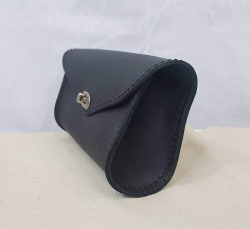 Handmade Classic Black Single Pouch Leather Windshield Bag for Harley