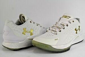 Image is loading Under-Armour-Curry-Low-MVP-White-Metallic-Gold- 719fc0378
