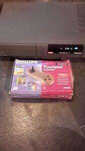 Philips Cdi 220 Interactive Console De Jeu, Avec Coffret Jeu Pad Gratuit Uk Poste-afficher Le Titre D'origine Avec Des MéThodes Traditionnelles
