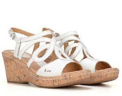 B. O. C. Born Wynda wedge sandals pelle white sz 10 Med NEW