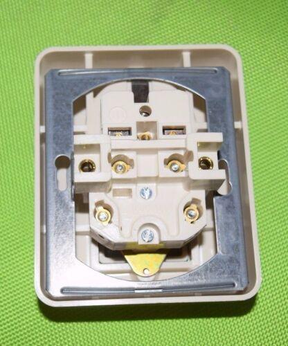 803 Jung ST550 CD500 Steckdose mit Schalter cremeweiß Schraubklemmen 5575 EU