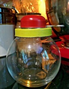 Vintage-Nut-Chopper-Red-and-Yellow-Metal-Turn-Key-Grinder-Glass-Jar-Bottom