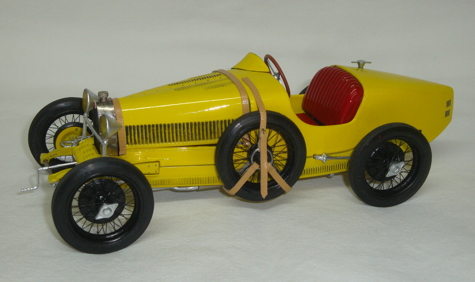 Bugatti tecla jaune-à la main modèle voiture miniature 1 20 revival-NEUF