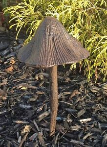 2pc-Mushroom-Hose-Guides-Garden-Watering-Stake-Yard-Cast-Iron-COI-Lawn ...
